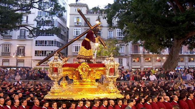 procesion-semana-santa-malaga_1999610131_12216677_660x371